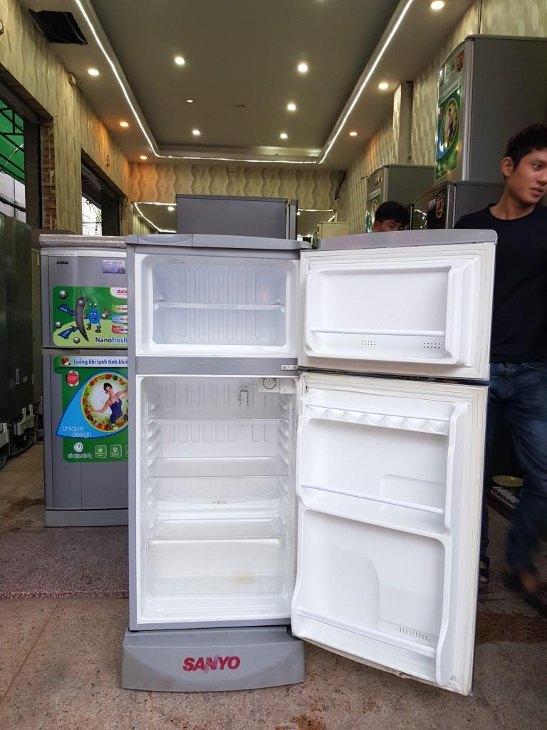 Tủ Lạnh SANYO 120L ĐÓNG TUYẾT